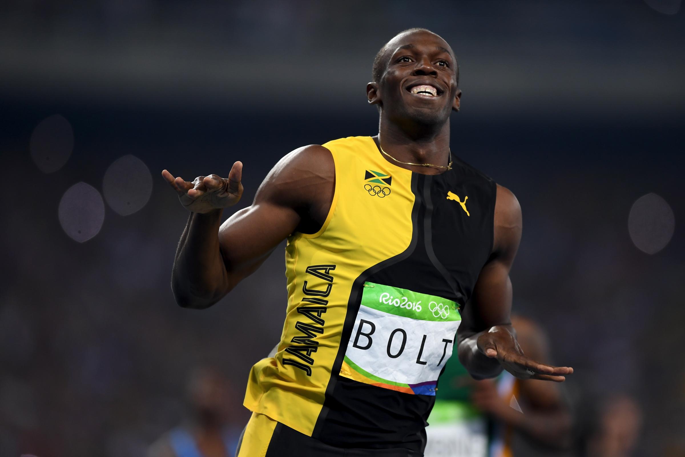 Usain Bolt Tries Gaelic Football