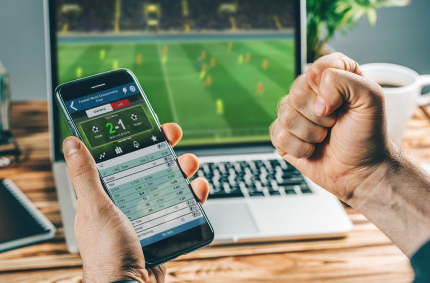 Online Casinos Vs. Football Betting – The Pros And Cons